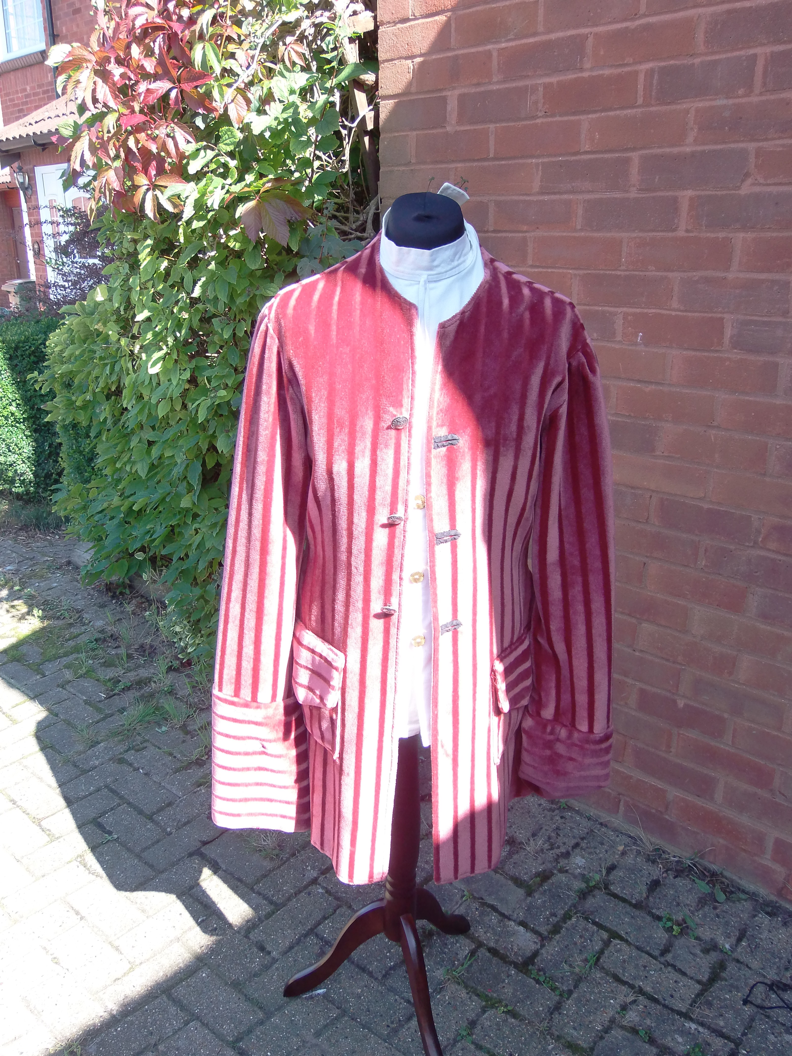 MKTOC Regency outfit