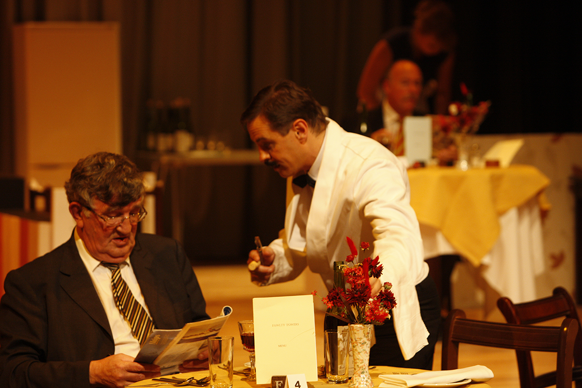 MKTOC - Fawlty Towers: Manuel and Mr Walt